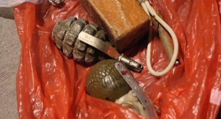 гранаты и боеприпасы