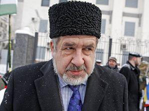 Лидера запрещенного в РФ меджлиса крымских татар заочно осудили на шесть лет колонии